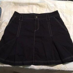 ATHLETA Skort Black/ white stitching pockets 6